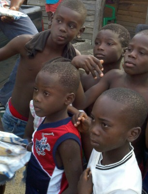 Food Distribution in a Dominican Republic Batey